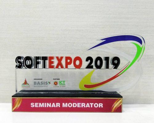 Faisal Mustafa Received Award as a Seminar Moderator from BASIS Soft Expo in 2019